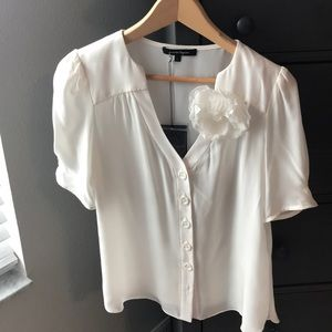 NANETTE LEPORE CREAM SILK TOP
